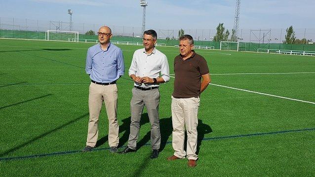 Nuevo césped en el campo de fútbol de Pozoblanco. 155.000 € de inversión  (vídeo) 6cccea4e4dc6d
