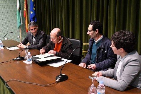 firma-acuerdo-digitalizacion-cronista-del-valle