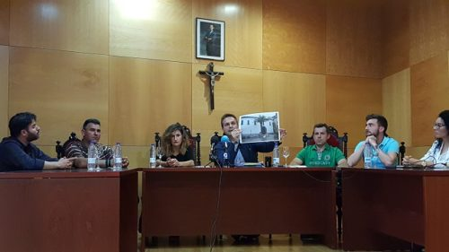 Alcalde-de-Dos Torres-rueda-de-prensa-jura-de-bandera-1