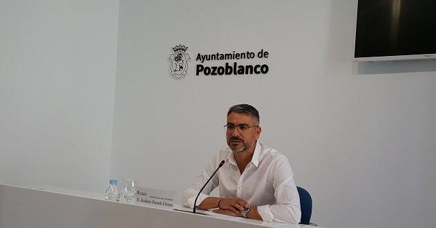Emiliano Pozuelo se despide del personal como alcalde