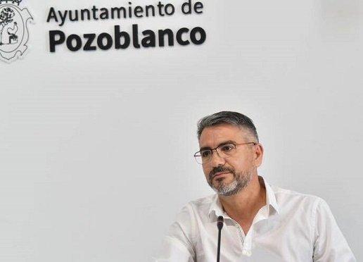 contratados-profesionales-ayuntamiento-pozoblanco-contratacion-publica