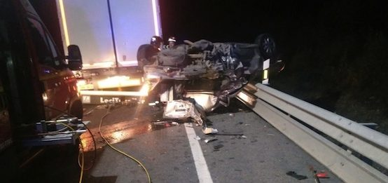 colision-frontal-turismo-trailer-herido-grave-n-502
