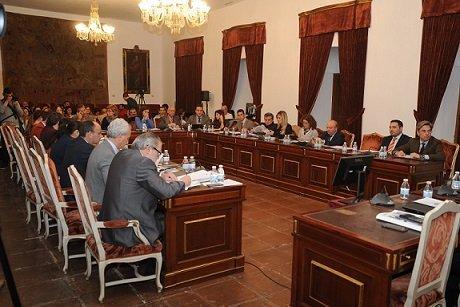 pleno-de-la-diputacion-aprueba-presupuesto-245000-euros-mancomunidades