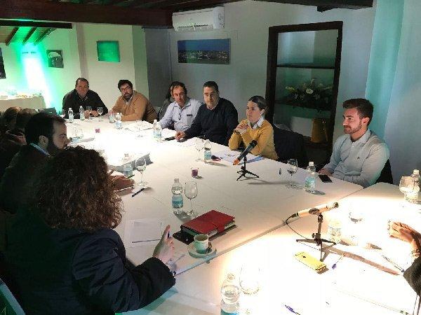 gestion-del-agua-despoblacion-temas-reunion-pp-dos-torres