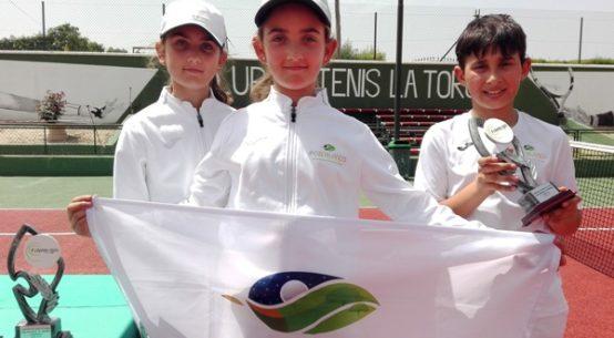 alejandro-lopez-candela-y-lucia-yecora-andaluz-alevin-tenis