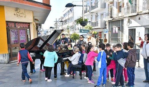 fundacion-ricardo-delgado-saca-pianos-calles-pozoblanco