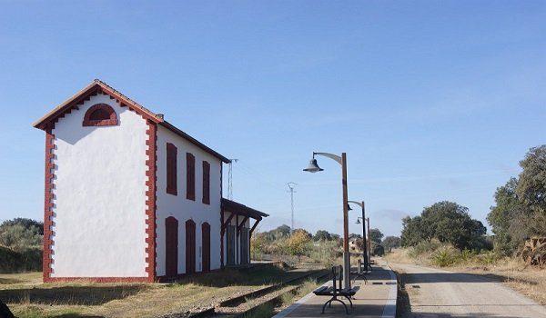 carrera-discurre-antiguas-estaciones-tren-villanueva-duque