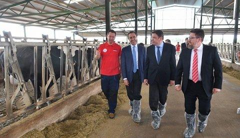 ministro-agricultura-covap-seguridad-alimentaria-calidad-eficiencia