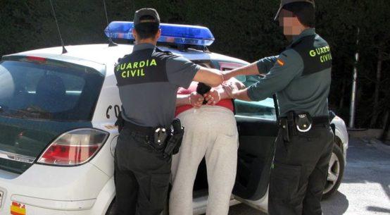 detenido-comprar-tarjetas-credito-robadas
