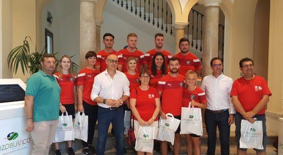 recibimiento-entrenadores-irlandeses-futbol-pozoblanco