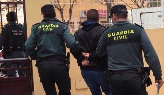 detenidos-robar-tienda-telefonia-pozoblanco