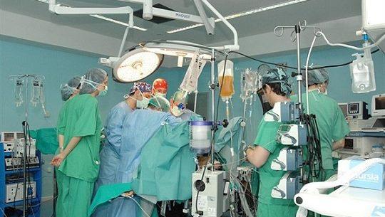 hospital-reina-sofia-24-trasplantes-renales-primeros-meses