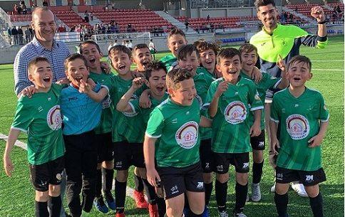 alevin-benjamin-escuela-futbol-base-pozoblanco-campeones-liga