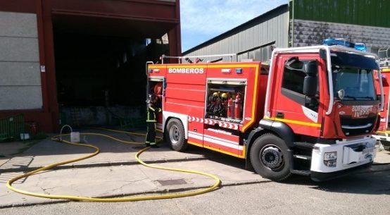 sofocado-incendio-nave-empresa-pozoalbense-mallas-iglesias