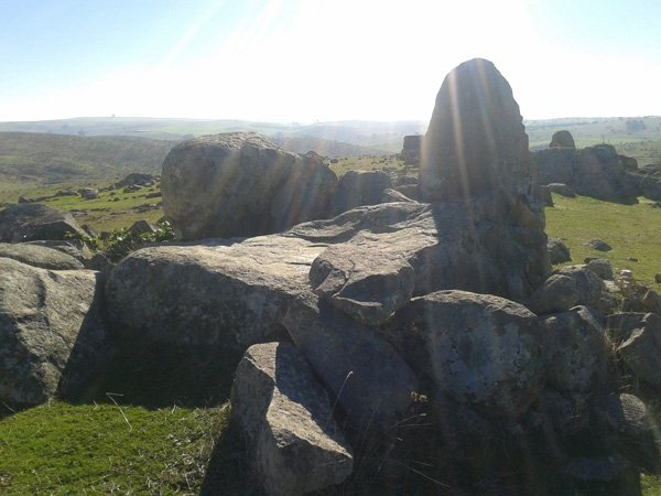 hallado-conjunto-megalitico-belalcazar