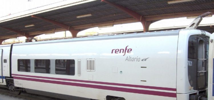 tren-llega-con-retraso-a-estacion-de-los-pedroches