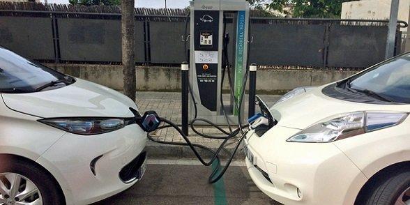 junta-financia-casi-100-recarga-vehiculos-electricos