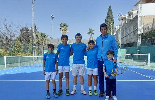 tenista-pozoalbense-alejandro-lopez-clasifica-campeonato-por-equipos