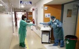 especialistas-en-covid-19-realizan-trabajo-a-pie-de-cama-en-hospital