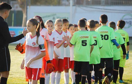 socializacion-deporte-equipo-ayuda-reducir-trastornos-alimentarios-adolescencia