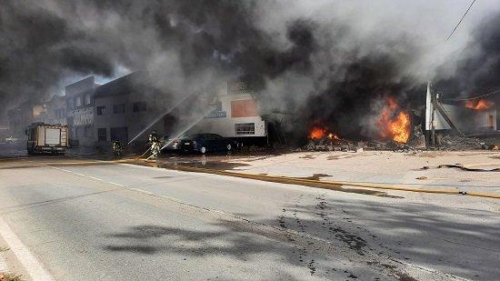 incendio-destruye-completamente-taller-mecanico-pozoblanco