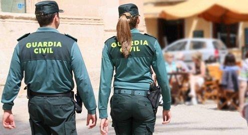 guardia-civil-detiene-persona-hacia-pasar-sargento-cuerpo