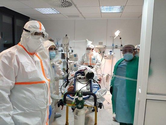 implantan-sistema-oxigenacion-paciente-de-covid-hospital-los-pedroches