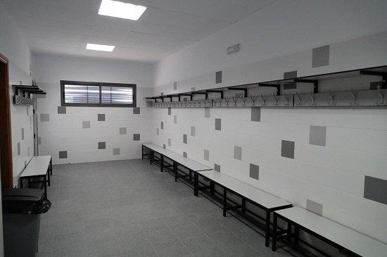 ayuntamiento-finaliza-obras-mejora-los-vestuarios-ciudad-deportiva-pozoblanco