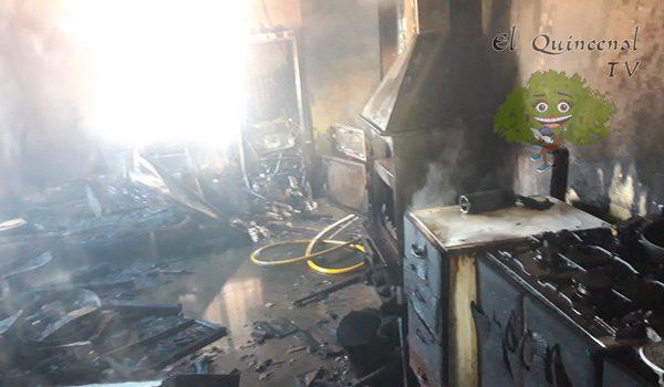 un-incendio-en-hinojosa-calcina-la-cocina-de-una-vivienda