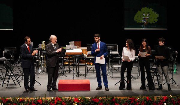 mejores-estudiantes-bachillerato-premios-fundacion-ricardo-delgado-covap