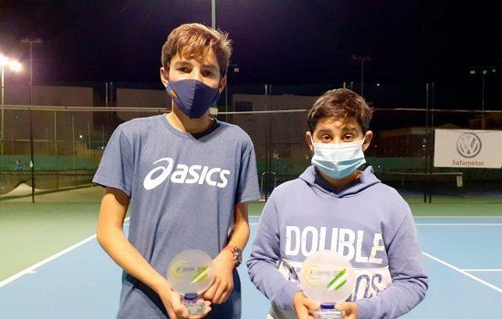 los-pozoalbenses-alejandro-lopez-candela-yecora-coronan-provincial-cadete-tenis