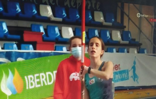 la-atleta-de-dos-torres-cristina-lopez-se-proclama-campeona-de-espana-sub-16