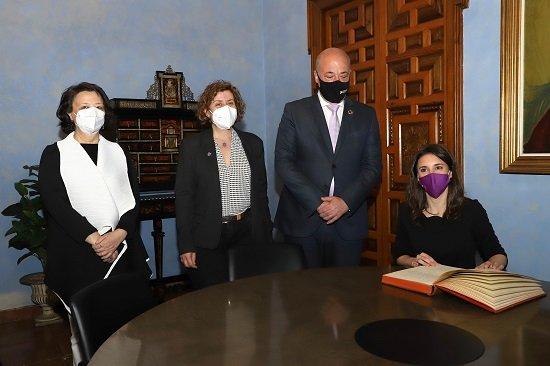 ministra-igualdad-irene-montero-conferencia-conciliacion-corresponsabilidad-cordoba