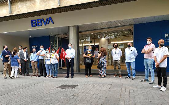 concentracion-trabajadores-bbva-contra-ere-57-trabajadores-provincia-cordoba
