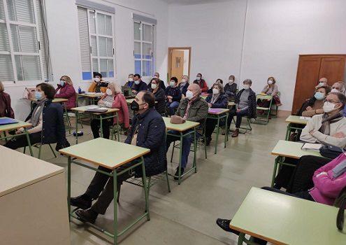 la-consejeria-oferta-mas-190000-plazas-educacion-permanente-personas-adultas