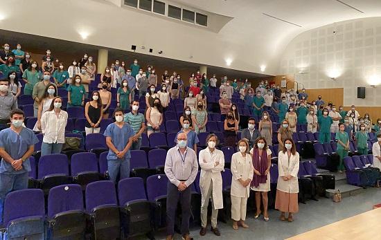 el-hospital-reina-sofia-recibe-110-nuevos-especialistas-internos-residentes